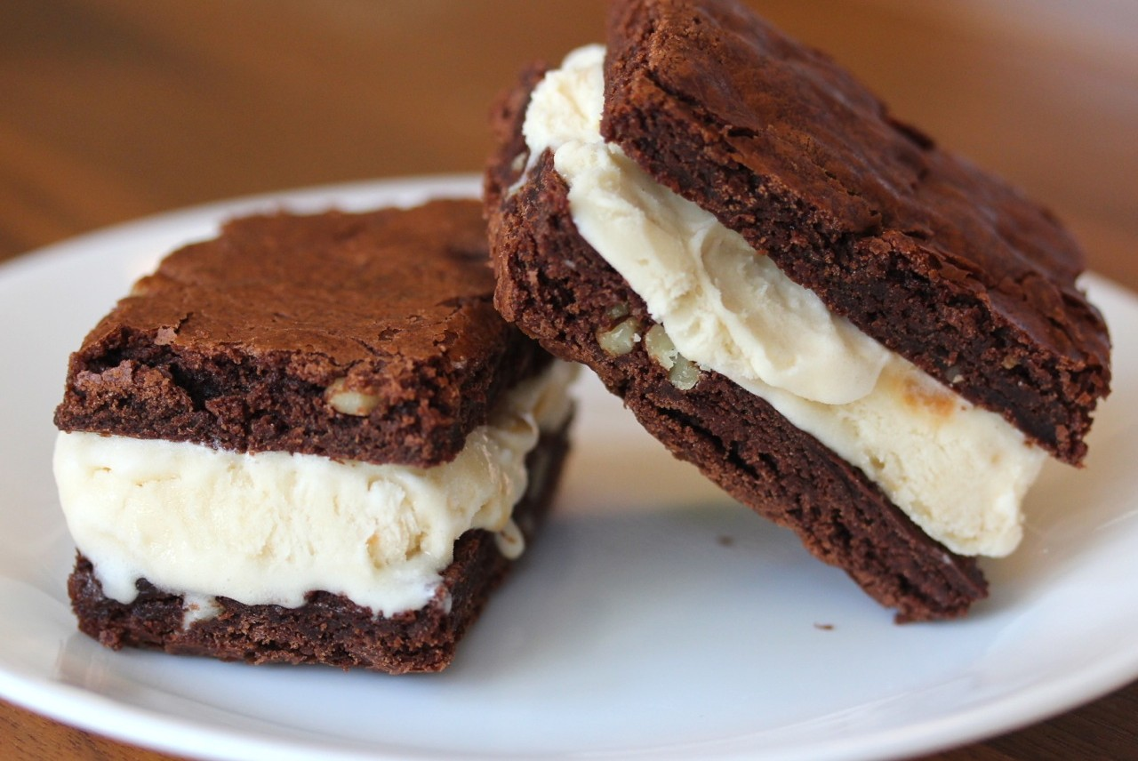Brownies Es Krim Sandwich