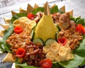 2-cara-membuat-nasi-kuning-tumpeng