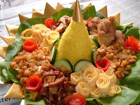 cara-membuat-nasi-kuning-tumpeng
