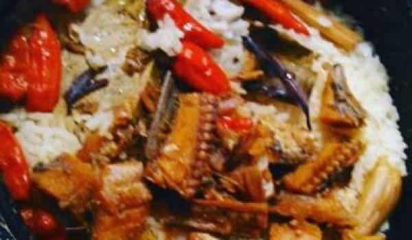 Cara Membuat Nasi Liwet Sunda Ikan Asin