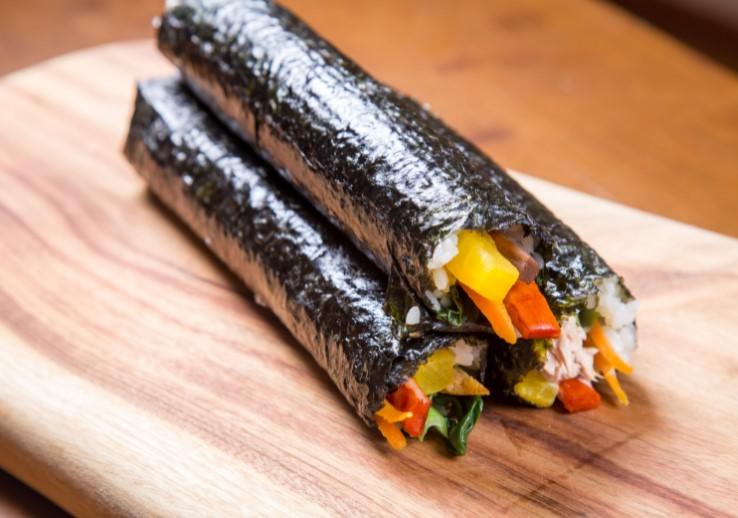 Kimbab Korea Sebelum Dipotong - Resep Kimbab Ala Korea