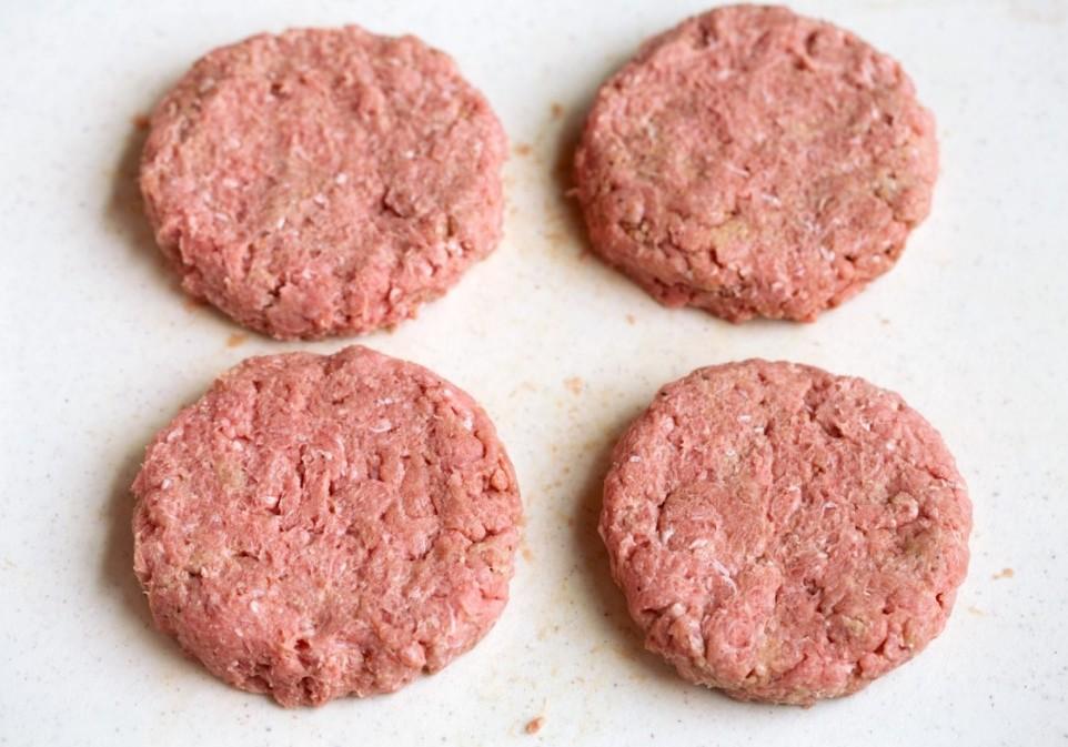 Resep Daging Patty Burger E1623043776457 - Resep Daging Patty Burger